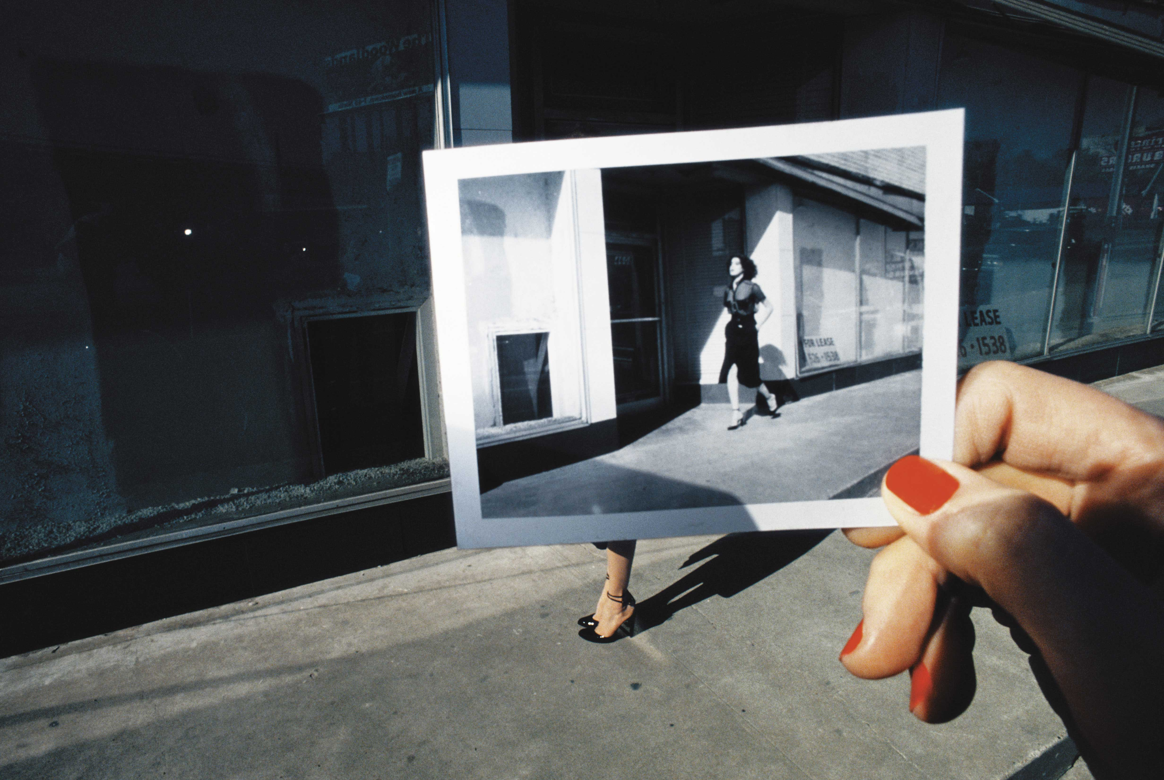 guy-bourdin-a-message-for-you