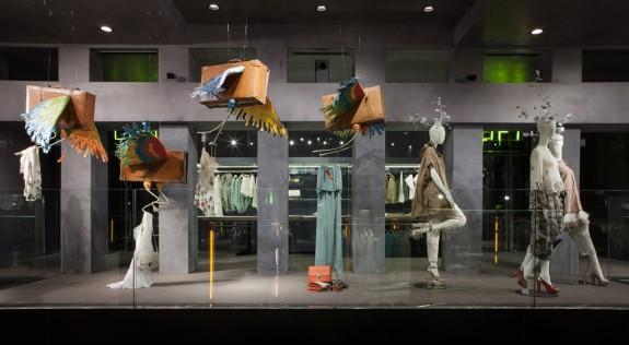 """""""Sweetcases"""" istallazione per Erika Cavallini semi-couture - ph. Elena Datrino"""