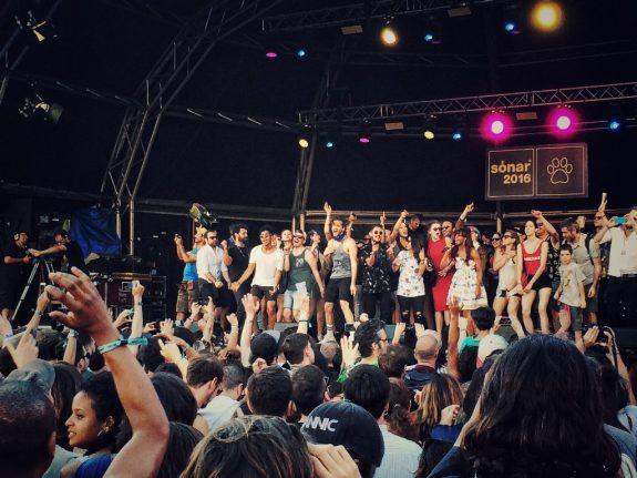 Santigold loves the audience - credits Fabrizio Treppiccioni