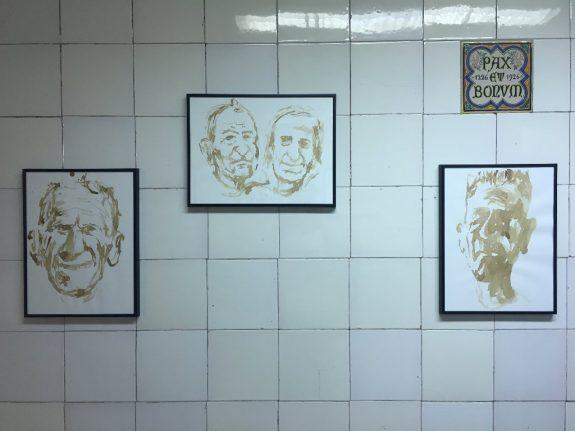 I ritratti realizzati con caffè su carta da Collettivo Fx