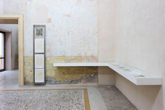 John Cage – Marcel Duchamp – Allan Kaprow, 2016, veduta d'installazione, Casa Morra – Archivio d'Arte Contemporanea, Napoli, Foto Amedeo Benestante ©Fondazione Morra