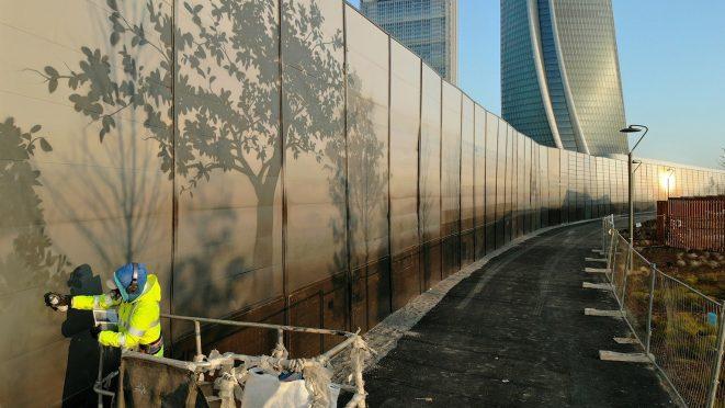 Eron, W_A_L_L, Milano